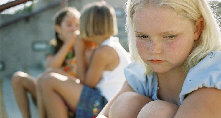 Las personas que hacen silencio se sienten aliviadas de que la persona que los ofendió haya aceptado algo de la culpa.