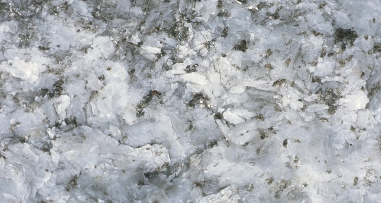 Limpia las mesadas de cuarzo correctamente para que la superficie no se raye o dañe.
