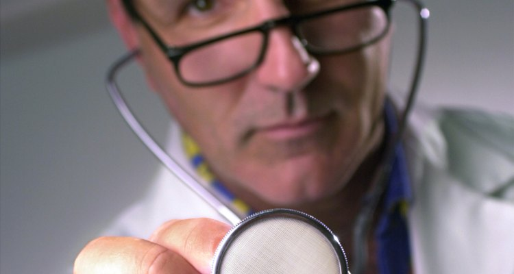 Consulte um médico antes de iniciar tratamentos alternativos