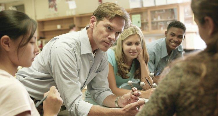 Un buen maestro respeta a sus estudiantes y los involucra en sus discusiones.
