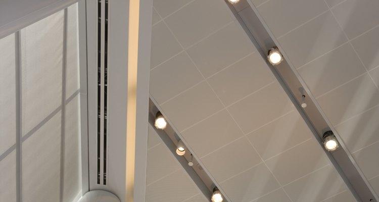 Una ventaja de las lámparas empotrables es que dan buena iluminación sin deslumbrar.