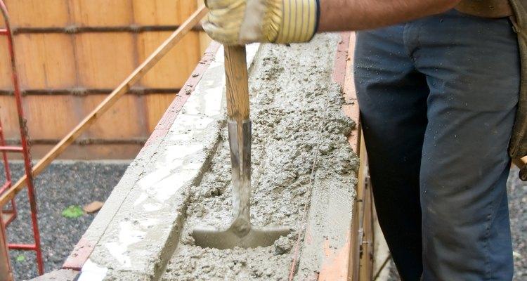 Las paredes de concreto pueden ser útiles para la privacidad o para detalles de decoración.