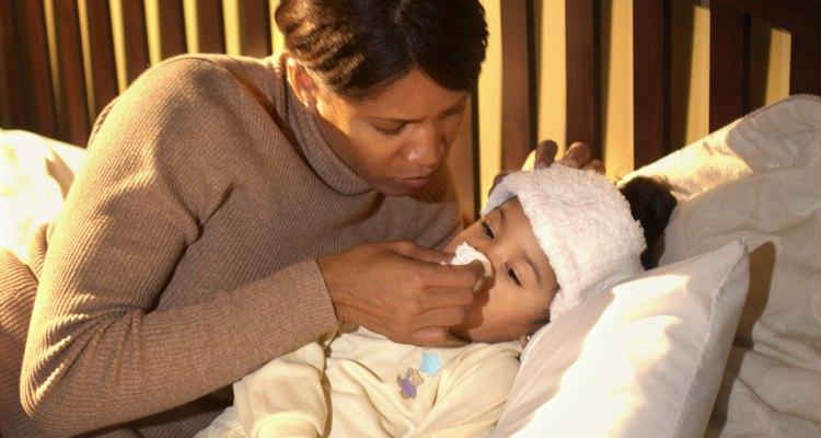 La tos en un niño pequeño puede ser parte de un serio problema de salud.