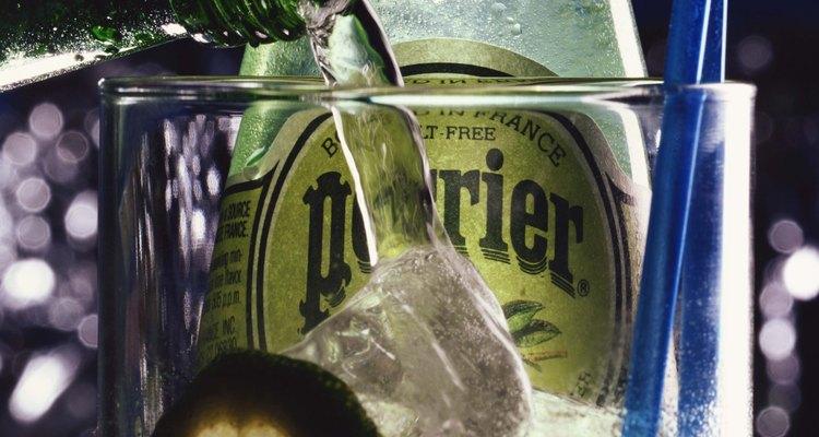 Los minerales que contiene el agua Perrier proporcionan muchos beneficios para la salud.