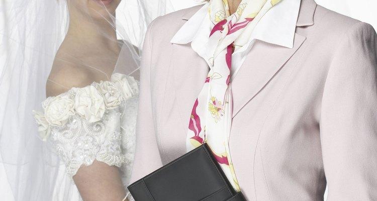 Delega tus responsabilidades y tareas de boda a un coordinador de eventos.