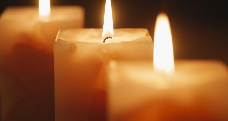 Aprenda a fazer as suas próprias velas com um conjunto já pronto
