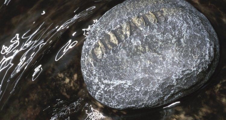 El tallado en piedra es una de las actividades humanas más antiguas y difundidas.
