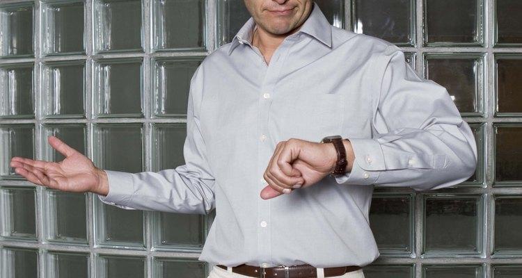 Os relógios G-Shock, projetados e fabricados pela Casio, são ótimos cronometristas que vêm em várias cores, estilos e modelos