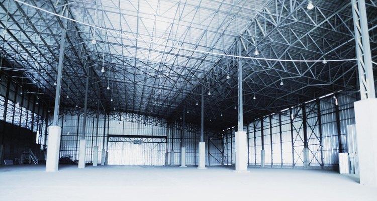 Las láminas aislantes se utilizan para evitar el ingreso de calor a tu hogar a través del techo.