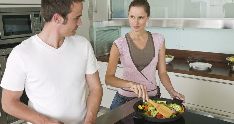 Prepara un revuelto en menos de 30 minutos como comida rápida y nutritiva.