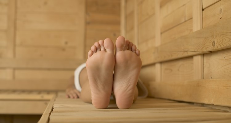 Use bicarbonato de sódio para manter seus pés macios e lisinhos