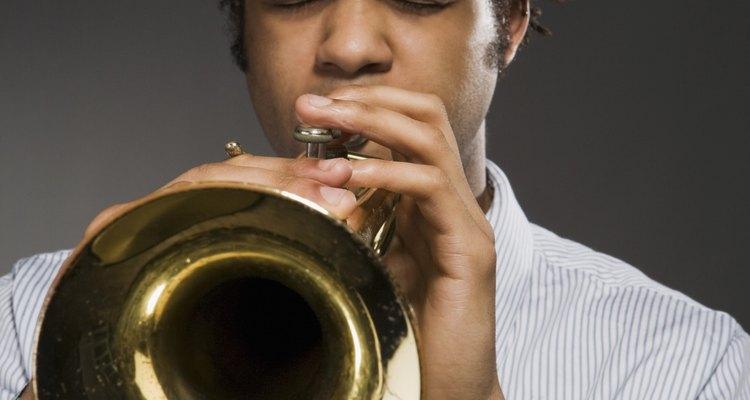 As propriedades acústicas do latão o tornam perfeito para fazer instrumentos