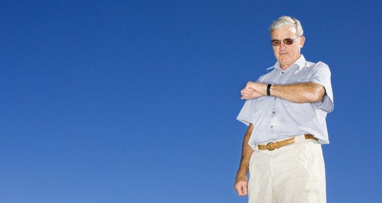 Desabilite a função de sinalização a cada hora do seu relógio para que ele não apite a cada sessenta minutos