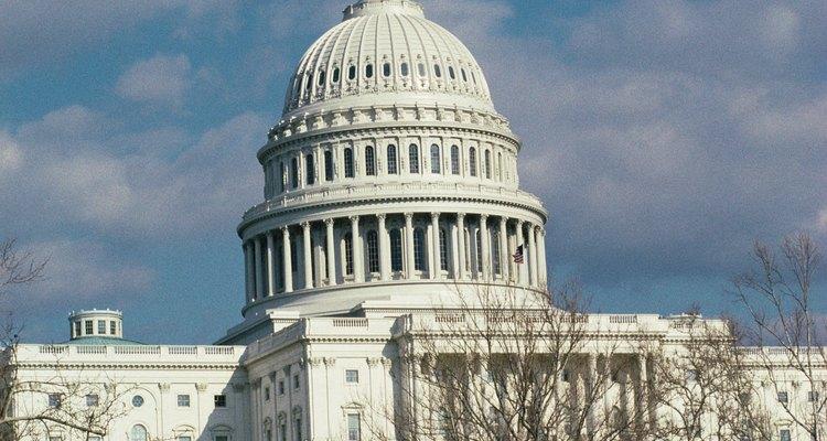 Los senadores estatales difieren de los senadores de Estados Unidos, que trabajan en el edificio del Capitolio en Washington, D.C.