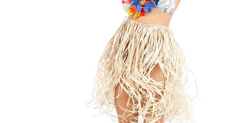 Fantasias de dançarinas hula-hula são simples de fazer