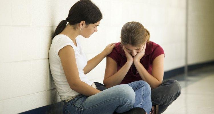 La depresión puede aumentar el riesgo de suicidio en un adolescente.