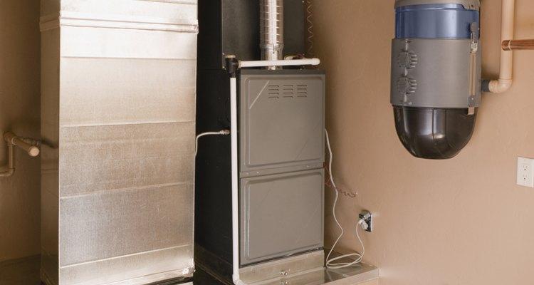 Las calderas de aire forzado envían aire caliente a través de los conductos.