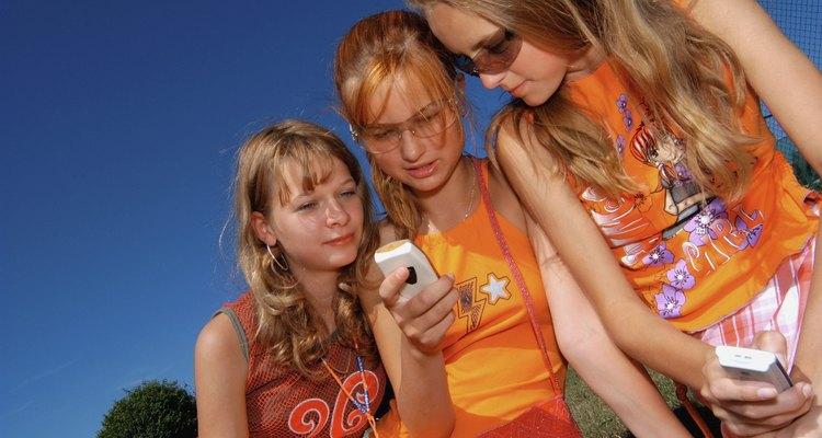 Los adolescentes se comunican con la tecnología más que cualquier otro grupo.