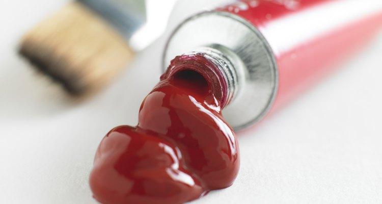 O vermelho, uma cor primária, é necessário para preparar o roxo