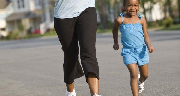 Hacer ejercicio con tu niño puede darles tiempo valioso y saludable.