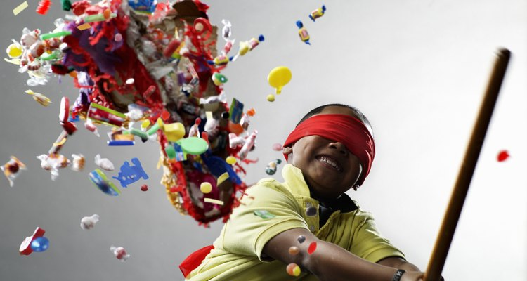 Incluye una piñata redonda en tu próxima fiesta.