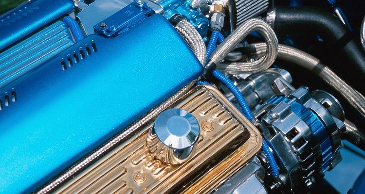 Instalar uma mola na tampa do motor é um trabalho simples