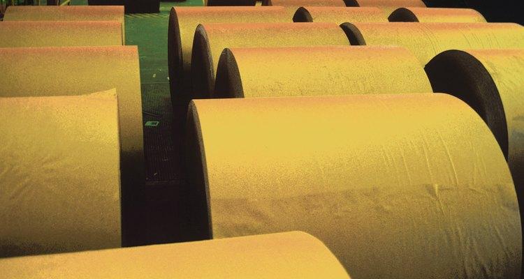 El papel cristal es suave y translúcido, frecuentemente se lo usa para artesanías y empaquetar alimentos.