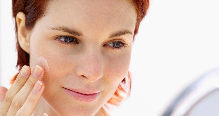 Una pizca de un producto antibacteriano puede ayudar a evitar un brote de acné.