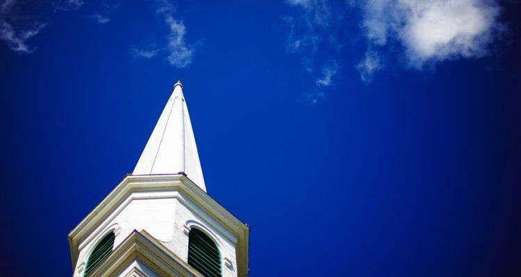 Enséñale a los niños acerca del perdón en la iglesia.
