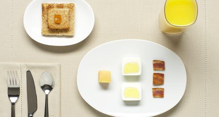 Los platos para la cena vienen en varios tamaños y tienen muchos usos.
