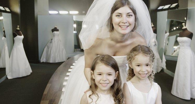 Puedes encontrar vestidos de novia a precio de descuento en tiendas nupciales de Boston.