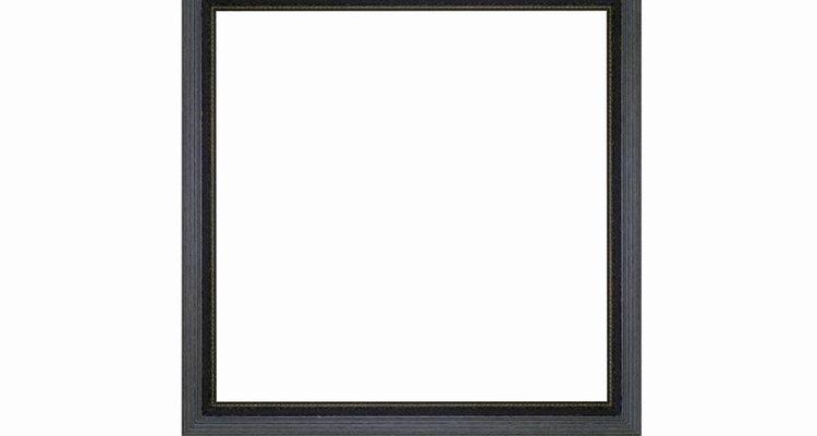 Um quadrado é um paralelogramo com lados e os quatro ângulos retos