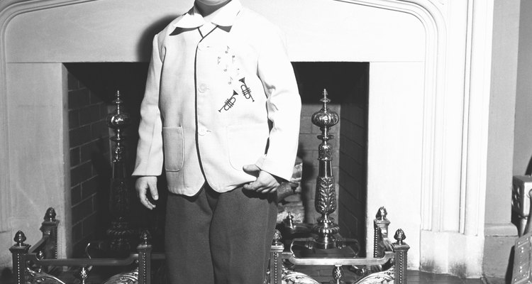 Typical young boy style for the 1940s.