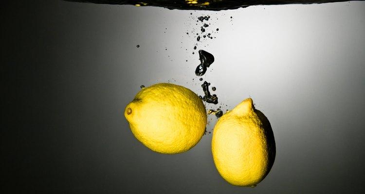 Los gusanos cortadores de cítricos pueden dejar marcas en los limones o dañar el fruto.