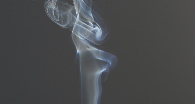 Com estas dicas simples, você vai se livrar do cheiro indesejado de cigarro