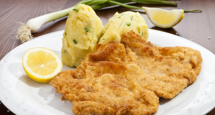 Vienna schnitzel with potato puree
