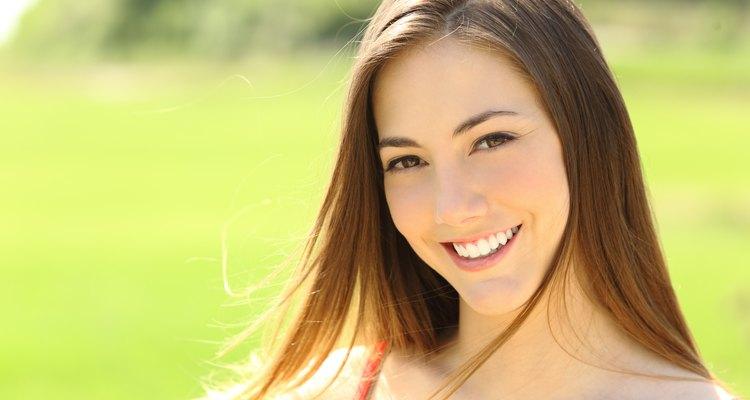 Sabiendo que tu piel está bien protegida, sólo tienes que preocuparte en sonreír.