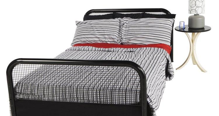 As camas são móveis fáceis de desmontar