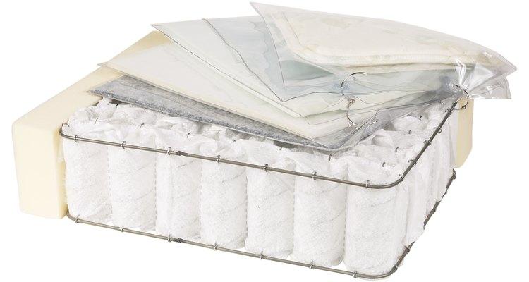 La limpieza a vapor puede limpiar la superficie de tu colchón, pero no todas las capas.