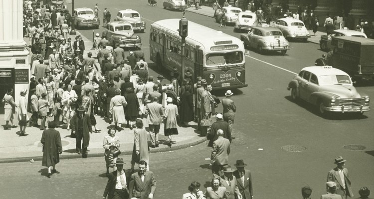 En 1928 comienza a circular un nuevo transporte público: el colectivo.