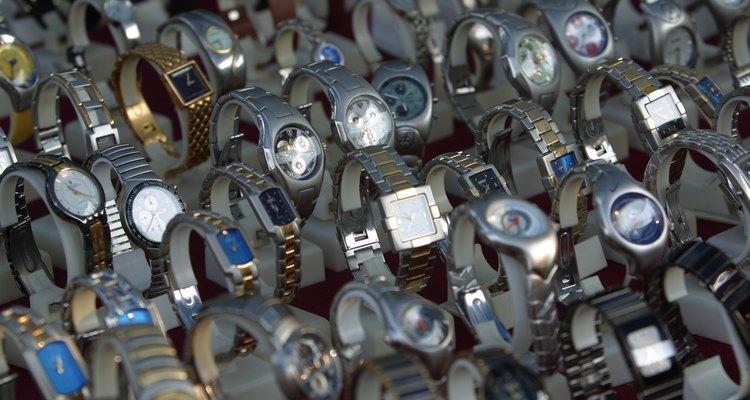 Os relógios de pulso Adidas estão disponíveis em grande variedade de estilos.