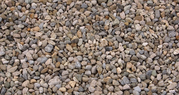 Learn to identify rocks and pebbles