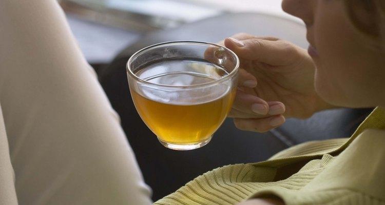 O chá verde atua na queima de calorias