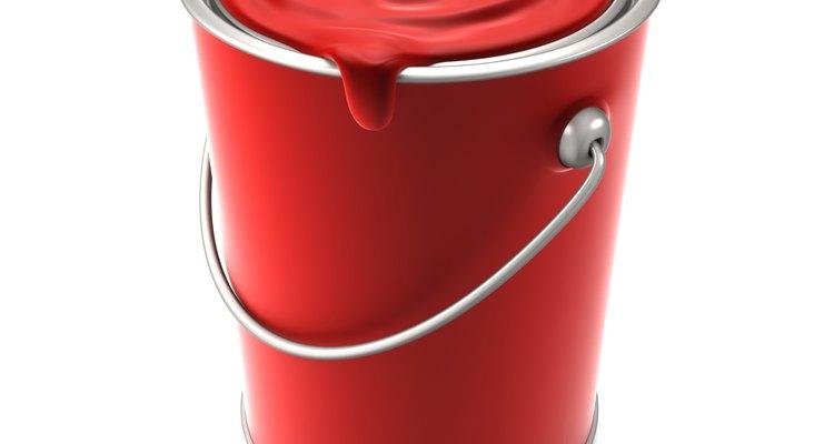 La pintura Imron se utiliza con frecuencia en las plantas de fabricación de partes para automóviles.
