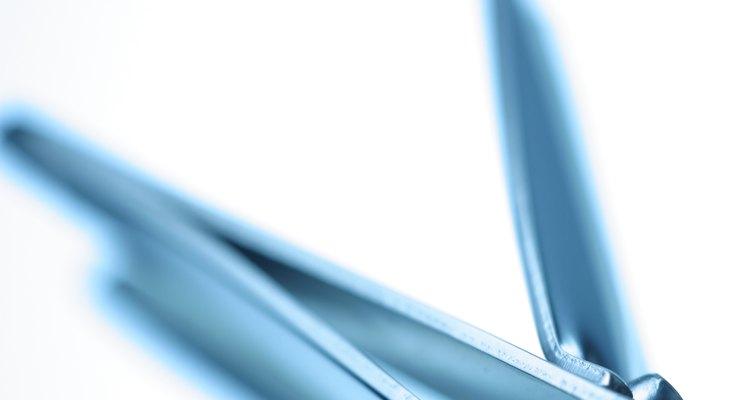 Quando usadas corretamente, cortadores de unha podem prevenir e curar uma unha encravada
