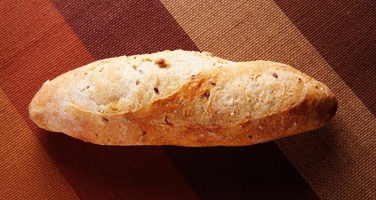Tanto a levedura instantânea quando a ativa podem ser usadas para fabricar pão