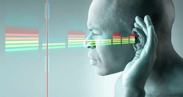 Faça testes com as vibrações sonoras para compreender o funcionamento interno do ouvido