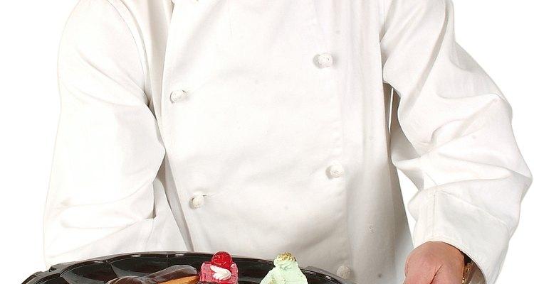 Para insertarte en el campo de la pastelería, debes ser dedicado y estar dispuesto trabajar para aprender el arte de la profesión.