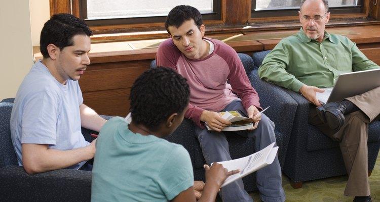 No estágio das operações formais os alunos aprendem através de debates