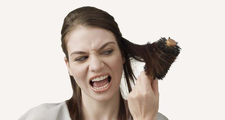 O álcool tem efeitos danosos sobre o seu cabelo